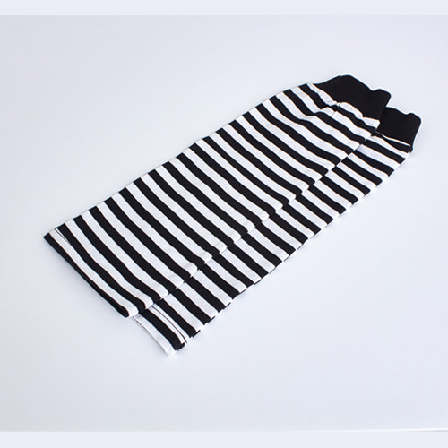 light sleeve layered black